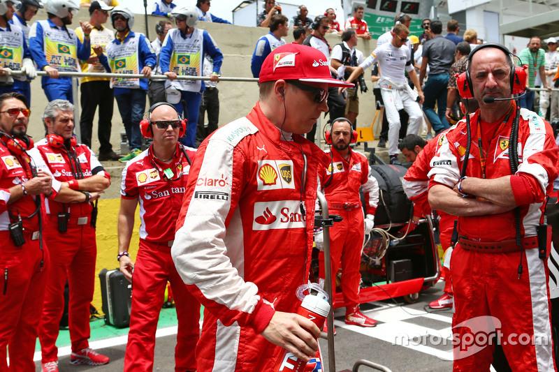 Kimi Räikkönen, Ferrari, in der Startaufstellung