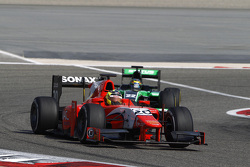 André Negrao, Arden International leads Marlon Stockinger, Status Grand Prix