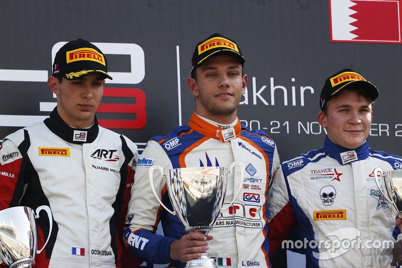 Подиум гонки 2: второе место - Эстебан Окон, ART Grand Prix победитель - Лука Гьотто, Trident и третье место - Мэттью Перри, Koiranen GP