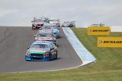 Start action: Mark Winterbottom, Prodrive Racing Australia, Ford
