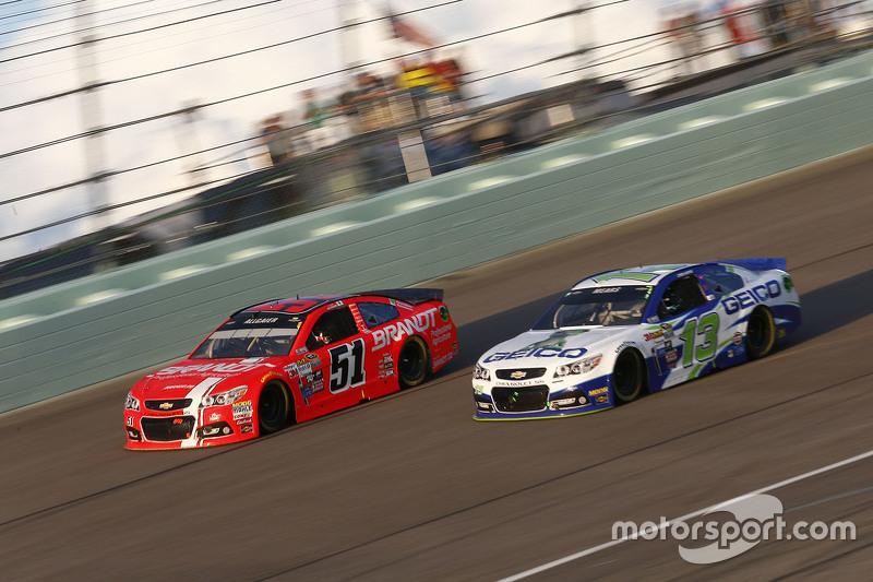 Justin Allgaier, HScott Motorsports Chevrolet; Casey Mears, Germain Racing Chevrolet