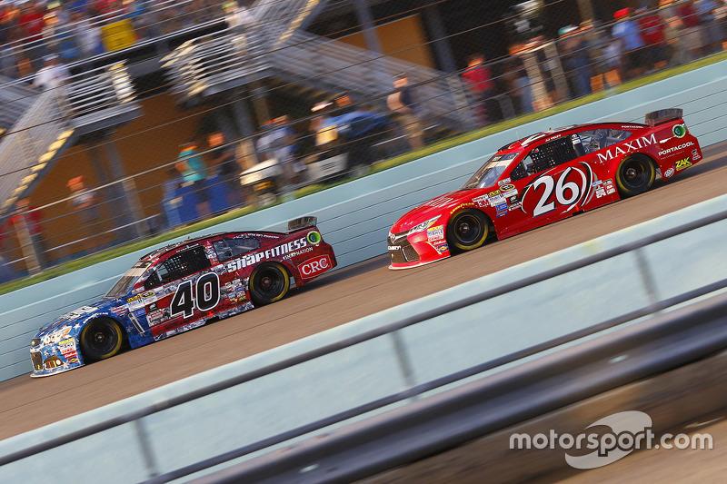 Landon Cassill, Hillman Circle Sport LLC Chevrolet; J.J. Yeley, BK Racing Toyota
