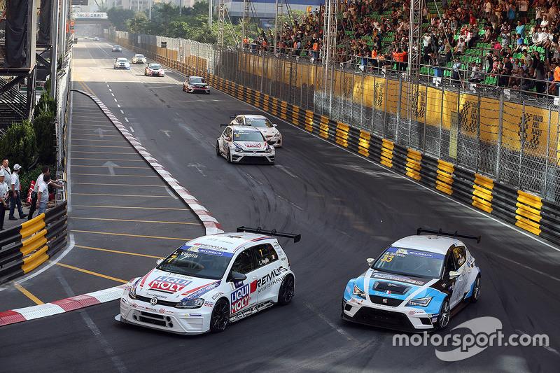 Lorenzo Veglia, Volkswagen Golf TCR, Team Engstler; Andrea Belicchi, SEAT Leon, Target Competition