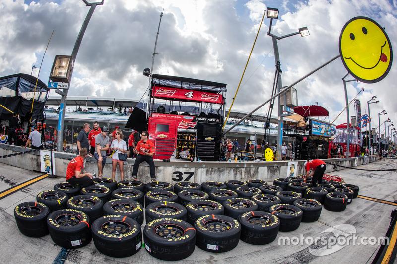 Reifen für Kevin Harvick, Stewart-Haas Racing Chevrolet