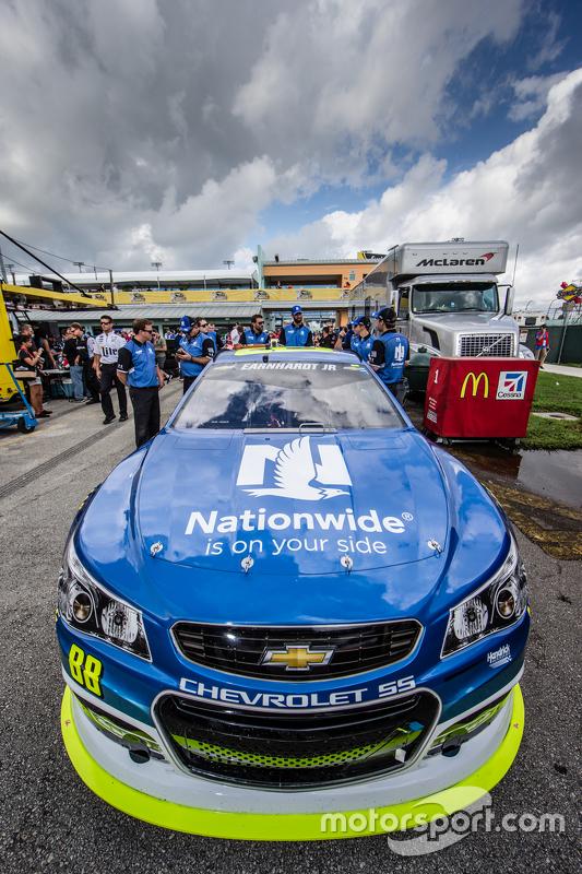 Auto van Dale Earnhardt Jr., Hendrick Motorsports Chevrolet bij de technische keuring