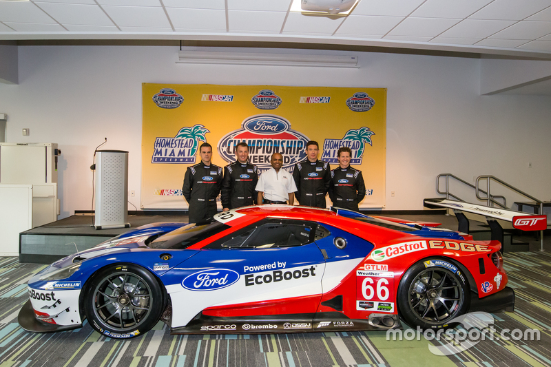Chip Ganassi Racing Ford GTLM drivers для IMSA та Le Mans: Дірк Мюллер, Джоі Хенд, Річард Вестбрук та Райан Бріско з Raj Nair from Ford