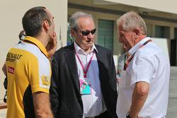 (L to R): Сиріл Абітебул, Renault Sport F1 Managing Director з Jerome Stroll, Renault Sport F1 Президент та Д-р Хелмут Марко, Red Bull Motorsport Consultant