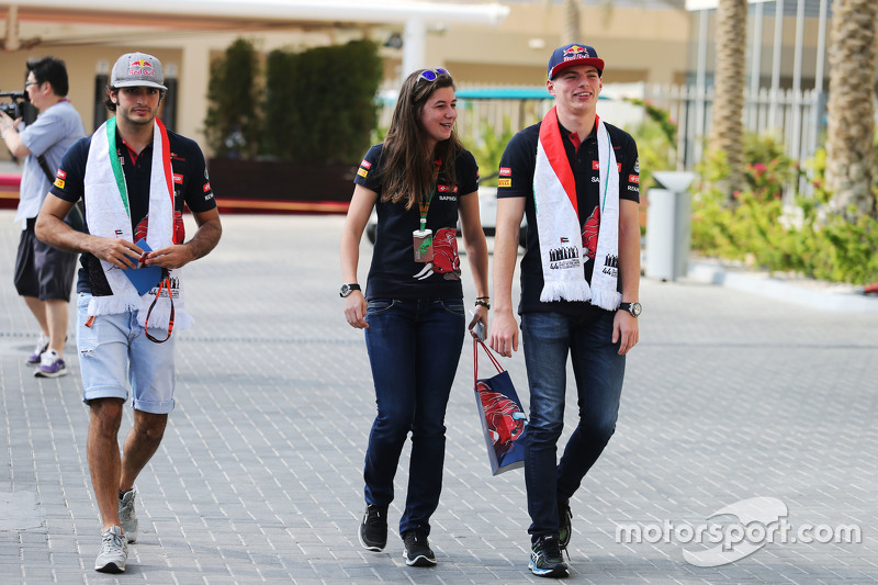 Carlos Sainz Jr., Scuderia Toro Rosso, mit Tabatha Valles, Scuderia Toro Rosso, Pressesprecherin, un