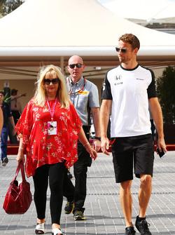 Jenson Button, McLaren with his mother Simone
