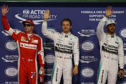 Derde plaats Kimi Raikkonen, Ferrari, polezitter Nico Rosberg, Mercedes AMG F1 Team, tweede plaats L