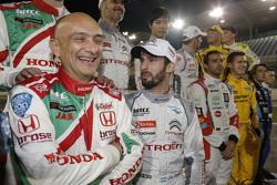 Габриэле Тарквини, Honda Civic WTCC, Honda Racing Team JAS, и Хосе-Мария Лопес, Citroën C-Elysée WTCC, Citroën World Touring Car team
