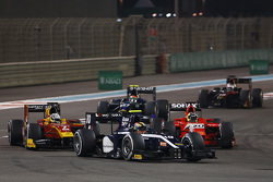 Artem Markelov, RUSSIAN TIME, leads Jordan King, Racing Engineering, André Negrao, Arden International and Sergio Canamasas, Team Lazarus
