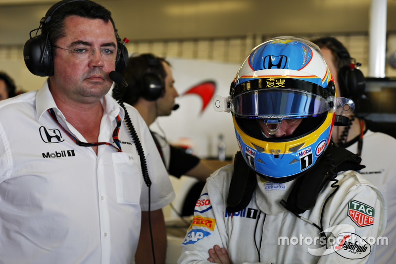 Eric Boullier and Fernando Alonso, McLaren MP4-30