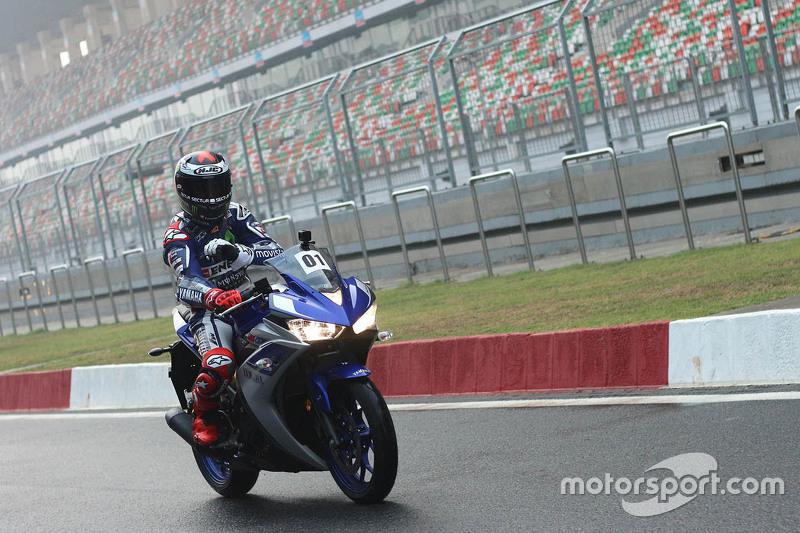 Jorge Lorenzo, Yamaha Factory Racing con la Yamaha YZF-R3