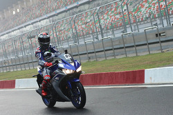 Jorge Lorenzo, Yamaha Factory Racing with the Yamaha YZF-R3