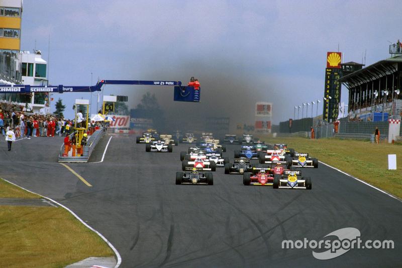 Start: Keke Rosberg, Williams memimpin
