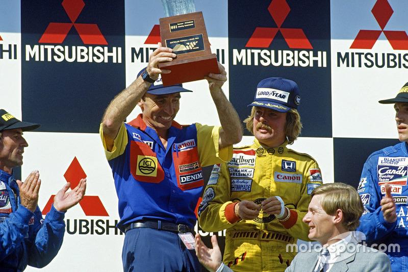 Frank Williams y el ganador de la carrera Keke Rosberg, Williams