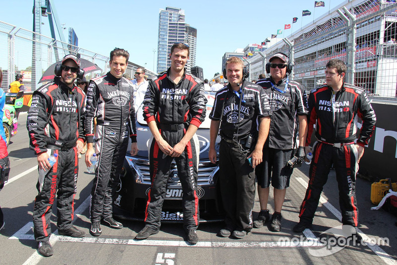 Rick Kelly, Nissan Motorsports with his team