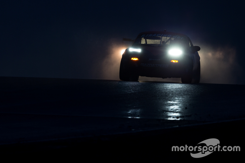 Mazda Miata action