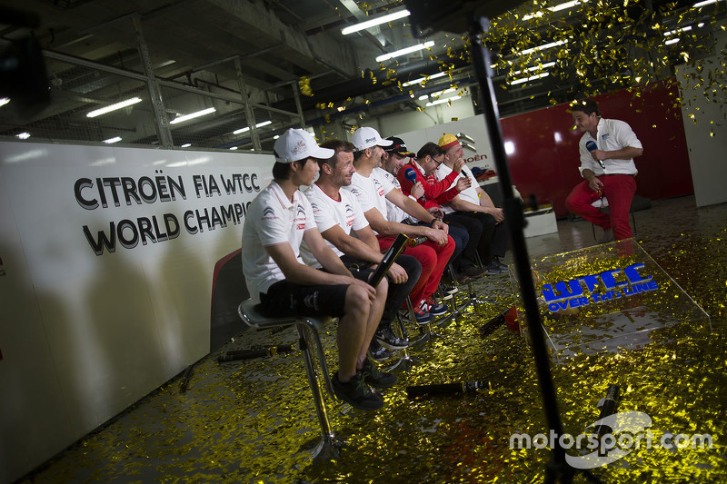 Ма Цин Хуа, Citroën World Touring Car team, Себастьєн Леб, Citroën World Touring Car team, Іван Муллер, Citroën World Touring Car team, Хосе Марія Лопес, Citroën World Touring Car team та Ів Меттон, Citroën World Touring Car team з медіа