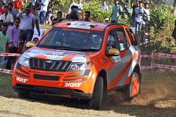 Gaurav Gill and Musa Sherif,  XUV 500, Team Mahindra Adventure