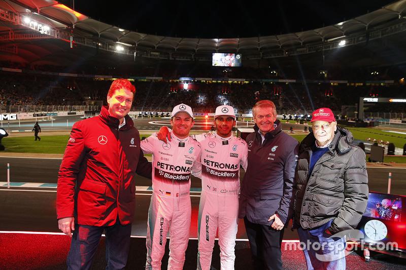 Ola Källenius, Daimler, Nico Rosberg, Mercedes AMG F1, Lewis Hamilton, Mercedes AMG F1, Prof. Dr. Thomas Weber y Niki Lauda