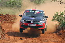 Karna Kadur ve Vivek Ponnusamy, Volkswagen Polo