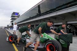 Jaguar Racing mechanics