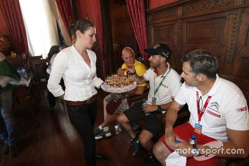Tiago Monteiro, Honda Racing Team JAS dan Yvan Muller, Citroën World Touring Car team