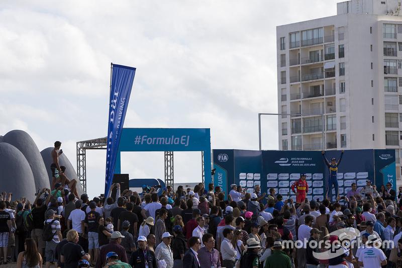 Podium: race winner Sébastien Buemi, Renault e.Dams, second place Lucas di Grassi, ABT Schaeffler Au