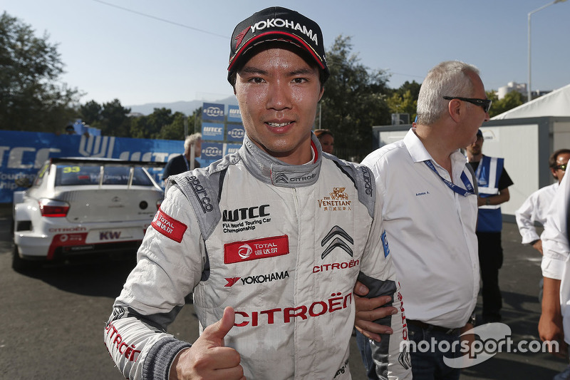 Race winner Ma Qing Hua, Citroën World Touring Car team
