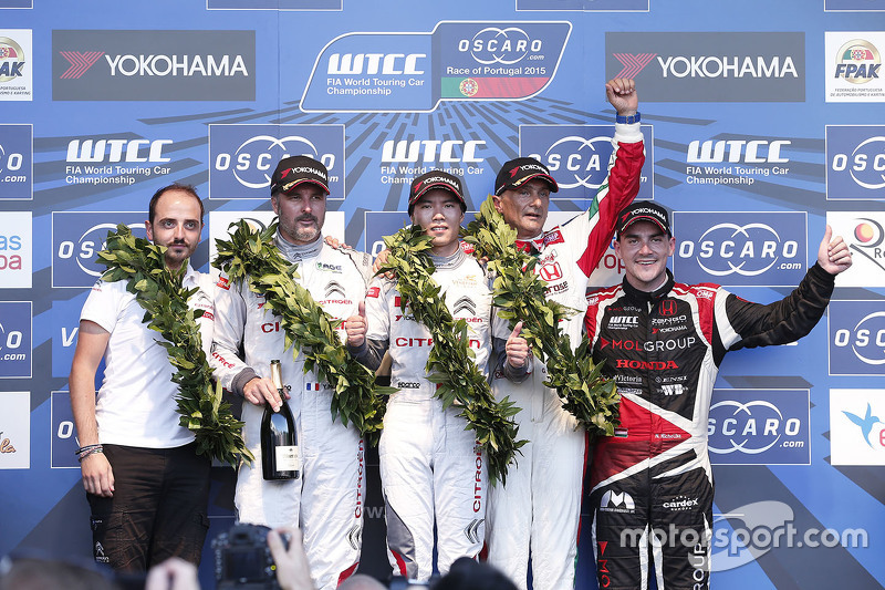 Podium: race winner Ma Qing Hua, Citroën World Touring Car team, second place Yvan Muller, Citroën World Touring Car team, third place Gabriele Tarquini, Honda Racing Team JAS and Norbert Michelisz, Zengo Motorsport