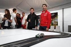Jose Maria Lopez, Citroën C-Elysee WTCC, Citroën World Touring Car team and Nestor Girolami, Honda Civic WTCC, Nika International
