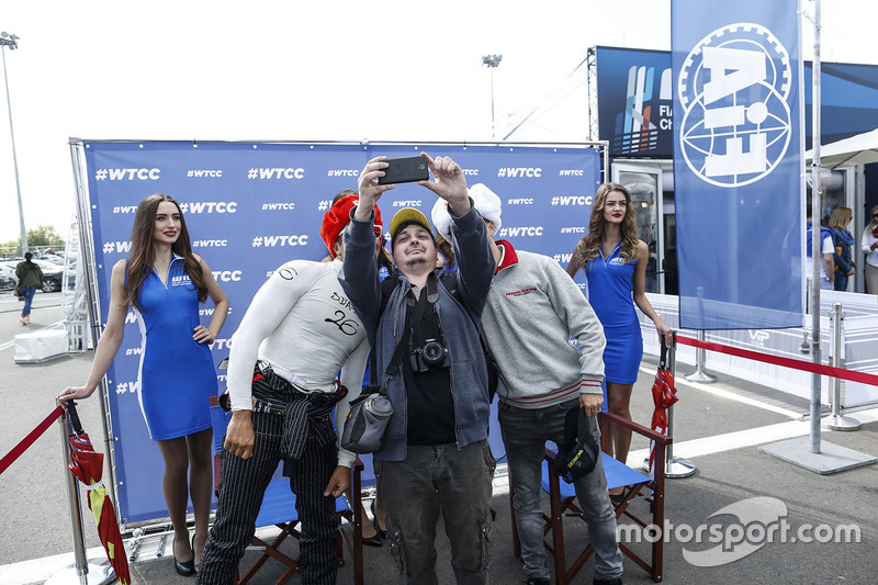 Tiago Monteiro, Honda Civic WTCC, Honda Racing Team JAS dan Stefano D'Aste, Chevrolet RML Cruze TC1,
