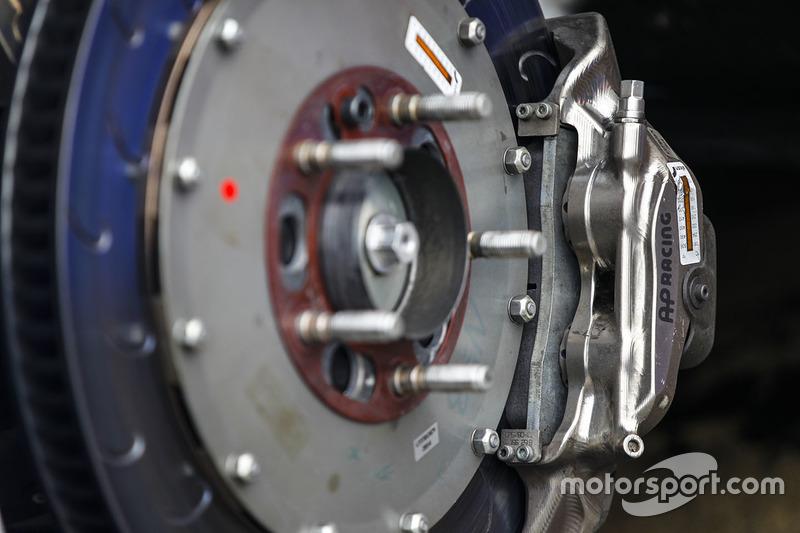 Detail cakram rem Citroën World Touring Car team AP Racing