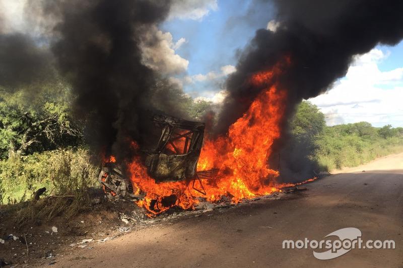 #10: Renault-Truck in Flammen