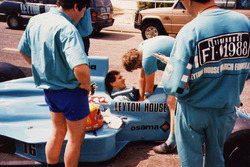 Маурисио Гужельмин за рулем Leyton House March 881