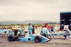 Тесты Leyton House March 881