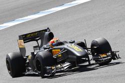 Formel-1-Test von Pirelli mit Lucas di Grassi