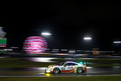 #30 Frikadelli Racing Porsche GT3 R: Klaus Abbelen, Patrick Huisman, Frank Stippler, Sabine Schmitz,