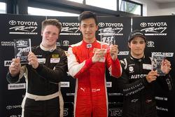Le vainqueur Guan Yu Zhou, le deuxième Brendon Leitch, et le troisième Pedro Piquet