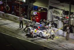 #912 Porsche Team North America Porsche 911 RSR: Мікаель Крістенсен, Ерл Бамбер, Фредерік Маковєцкі