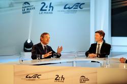 Directeur van de FIA Endurance Commission Lindsay Owen-Jones, presenter Bruno Vandestick