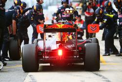 Даниэль Риккардо, Red Bull Racing RB12 тренирует пит-стоп