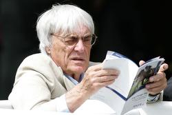 King George VI ve Queen Elizabeth Stakes Day, Crystal Palace, Ascot, England: Bernie Ecclestone, Başkanı ve CEO, Formula 1 Management
