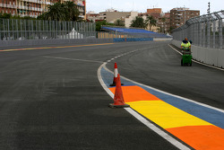 Valencia Circuit preparations, pitlane exit