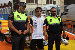 Fernando Alonso, Renault F1 Team with Police