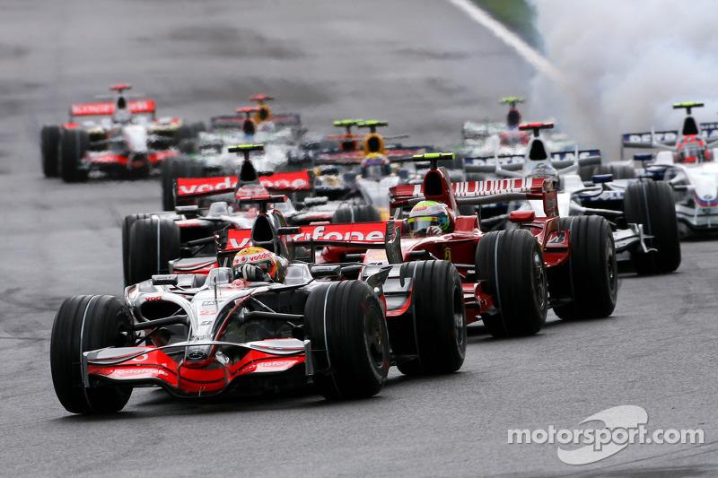 Start, Lewis Hamilton, McLaren Mercedes, MP4-23 ve Felipe Massa, Scuderia Ferrari, F2008