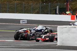 Mark Webber, Red Bull Racing, RB4 spins