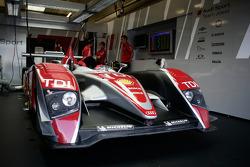 #2 Audi Sport Team Joest Audi R10 TDI
